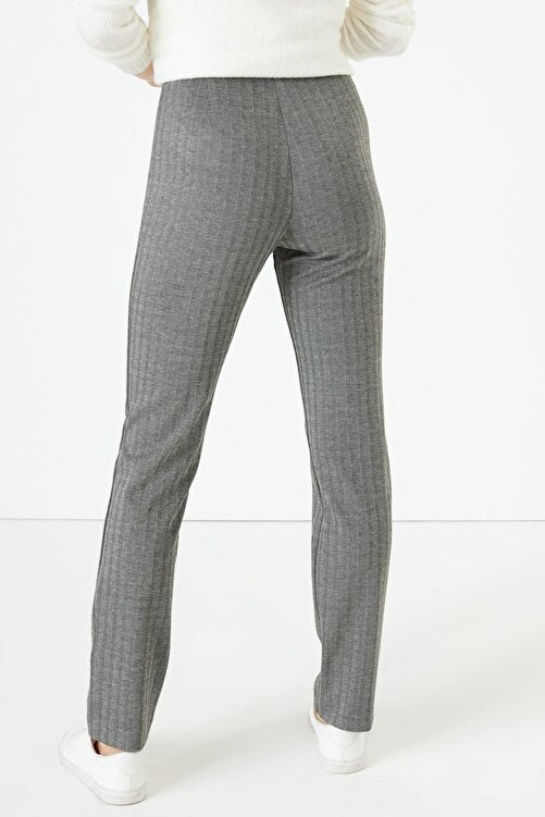 Marks & Spencer Kadın Siyah Kazayağı Desenli Slim Fit Pantolon T59005595 2