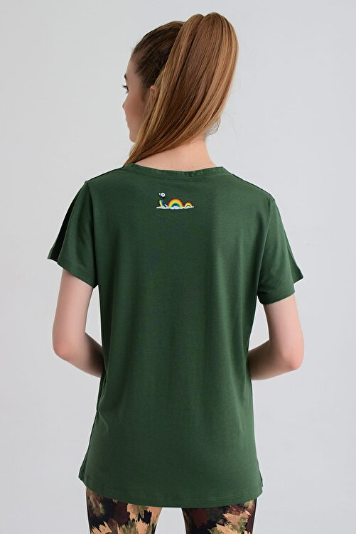 b-fit Kadın T-shirt - Wormie Elma Kurdu - WRMYLK 1