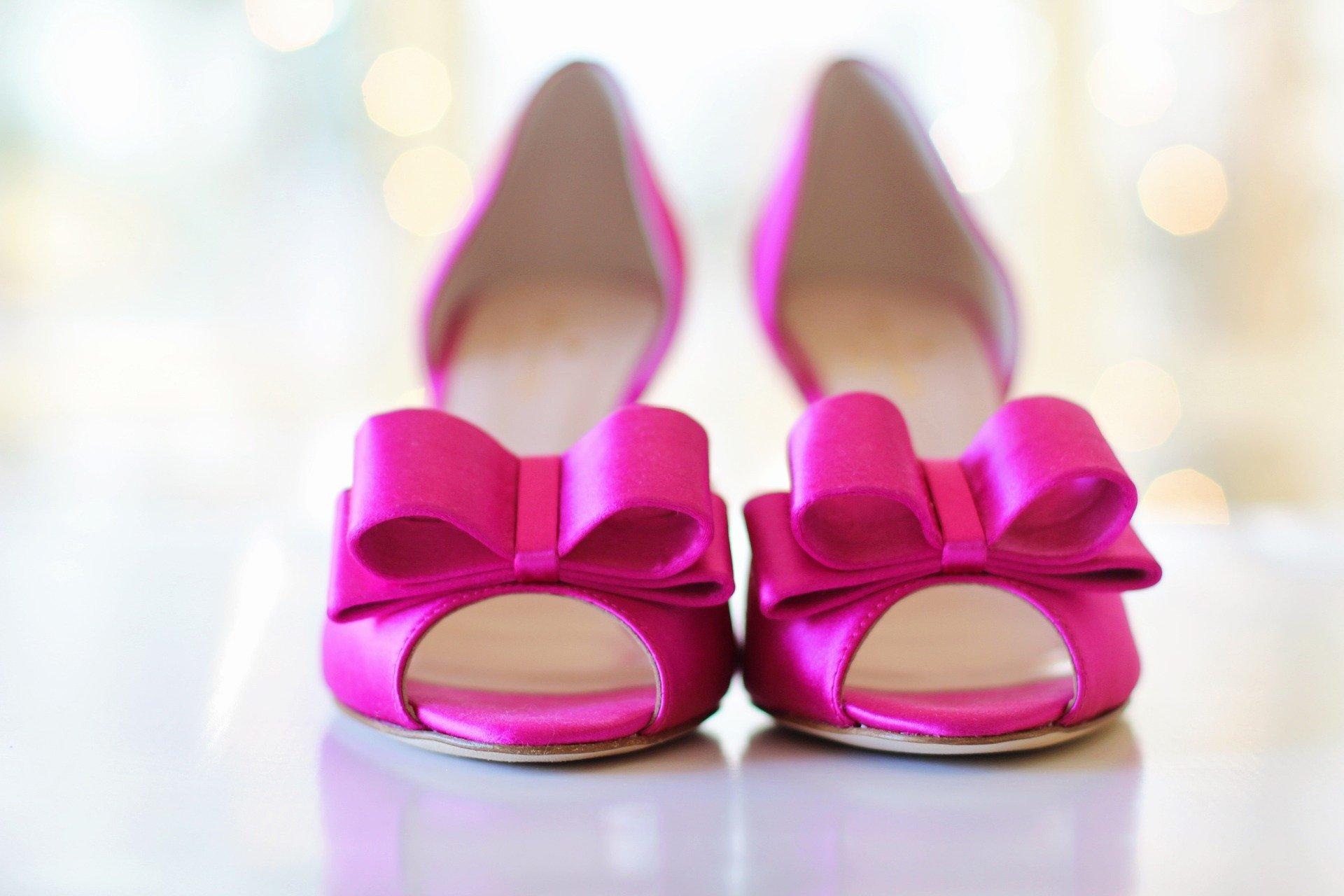 Moda Adam Topuklu Ayakkabı Modelleriyle Adımlarınızla Ses Getirin!