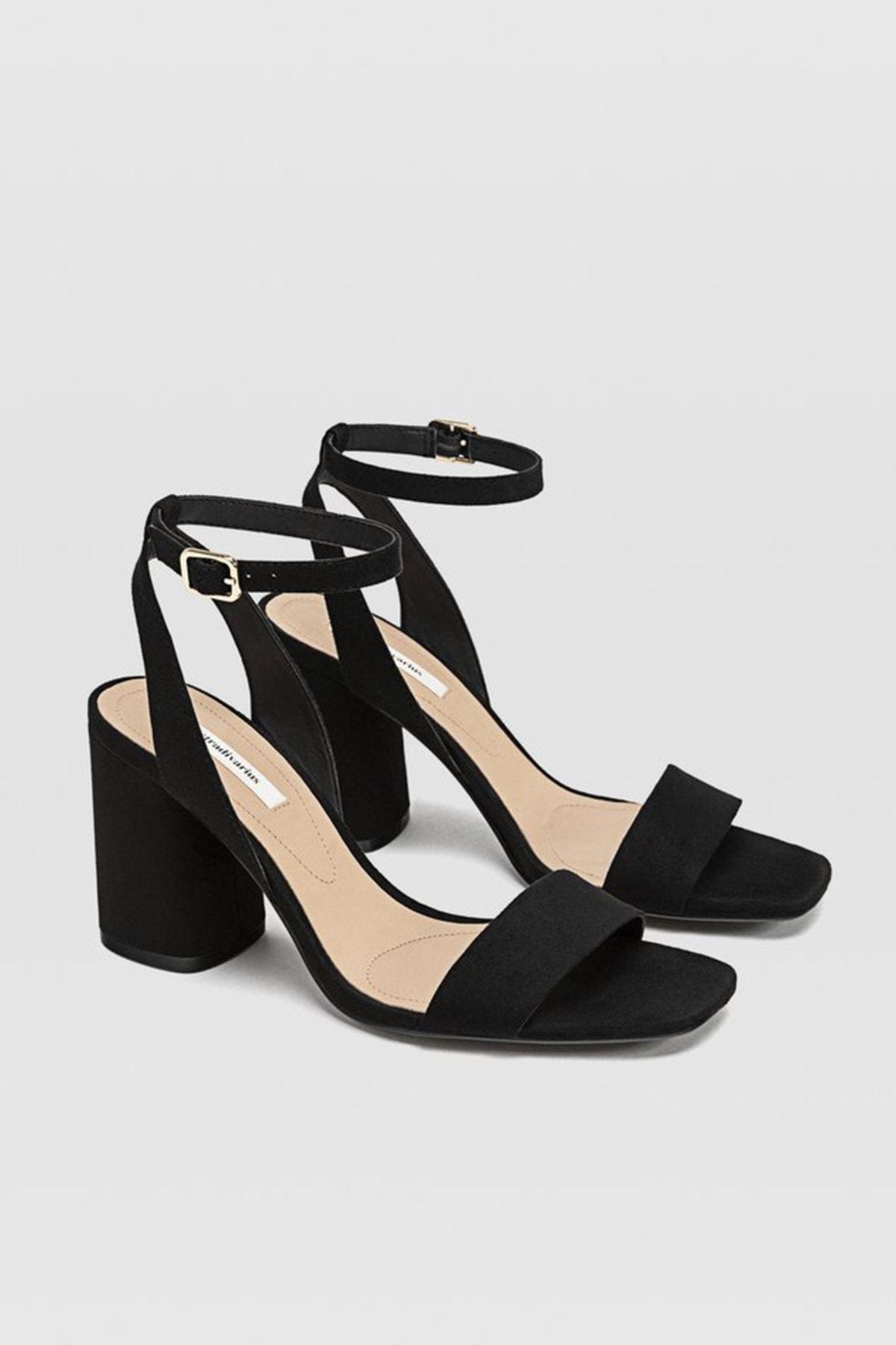 Stradivarius Kadın Siyah Bilekten Bantlı Topuklu Sandalet 19202570 1