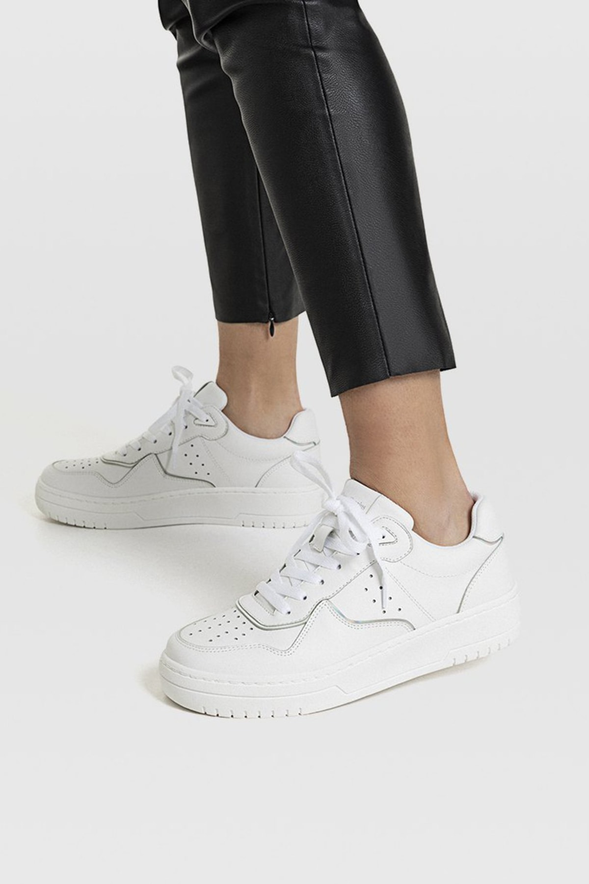 Stradivarius Kadın Beyaz Şeritli Spor Ayakkabı 19002570 4