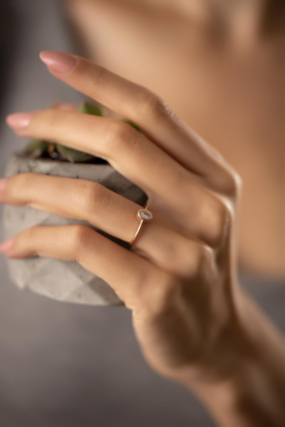İzla Design Kadın Oval Model Zirkon Taşlı Rose Kaplama Gümüş Yüzük PKT-TLYSLVR0942 2