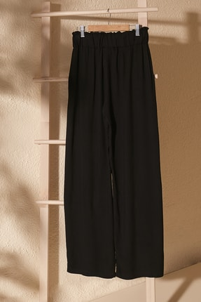 TRENDYOLMİLLA Siyah Bağlama Detaylı Pantolon TWOSS20PL0448 2
