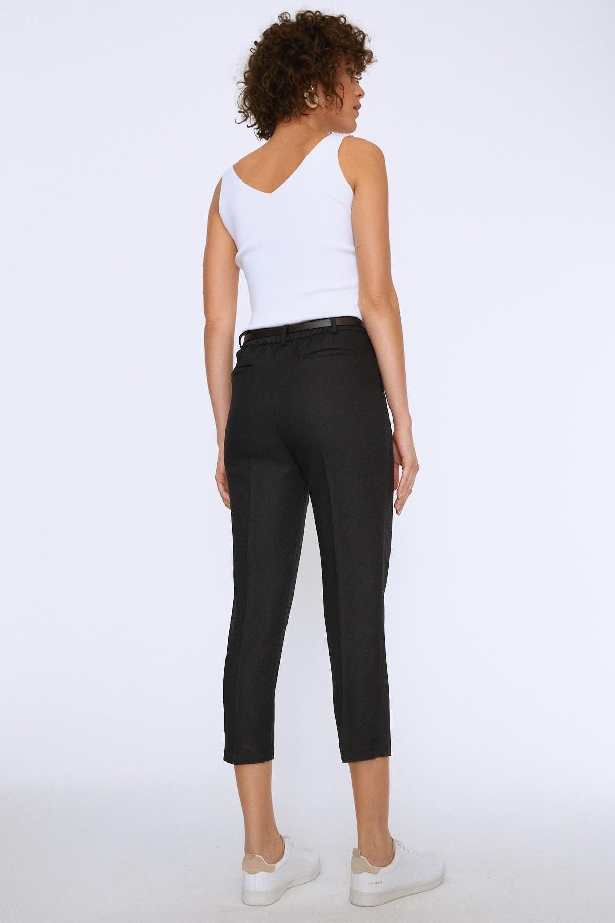 Quzu Kadın Yüksek Bel Kemerli Pantolon Siyah 20K70651-001 3