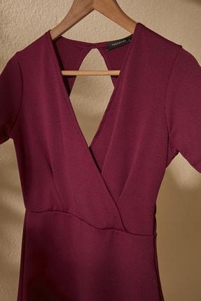 TRENDYOLMİLLA Mor Kruvaze Yaka Sırt Detaylı Örme Elbise TWOSS20EL2796 1