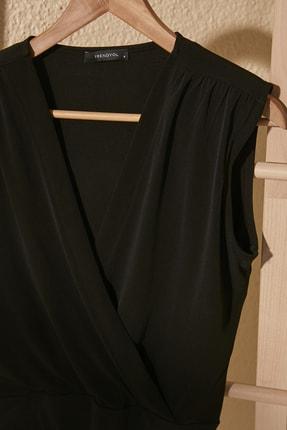 TRENDYOLMİLLA Siyah Kruvaze Çıtçıtlı Örme Body TWOSS20BD0042 1