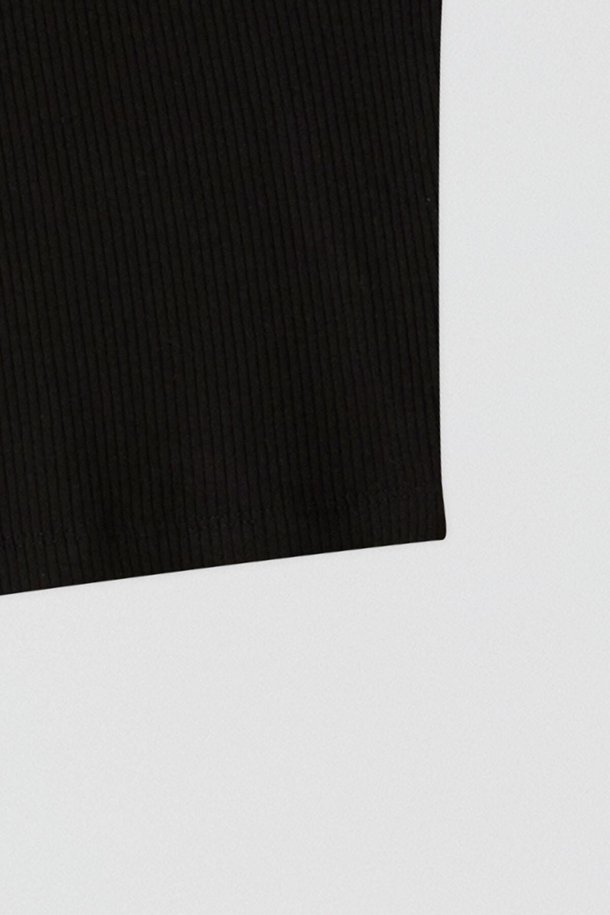 Pull & Bear Kadın Siyah Fitilli Kolsuz Crop Top 05236344 1