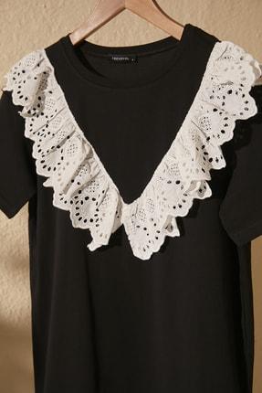TRENDYOLMİLLA Siyah Dantel Detaylı Örme Elbise TWOSS20EL2819 1