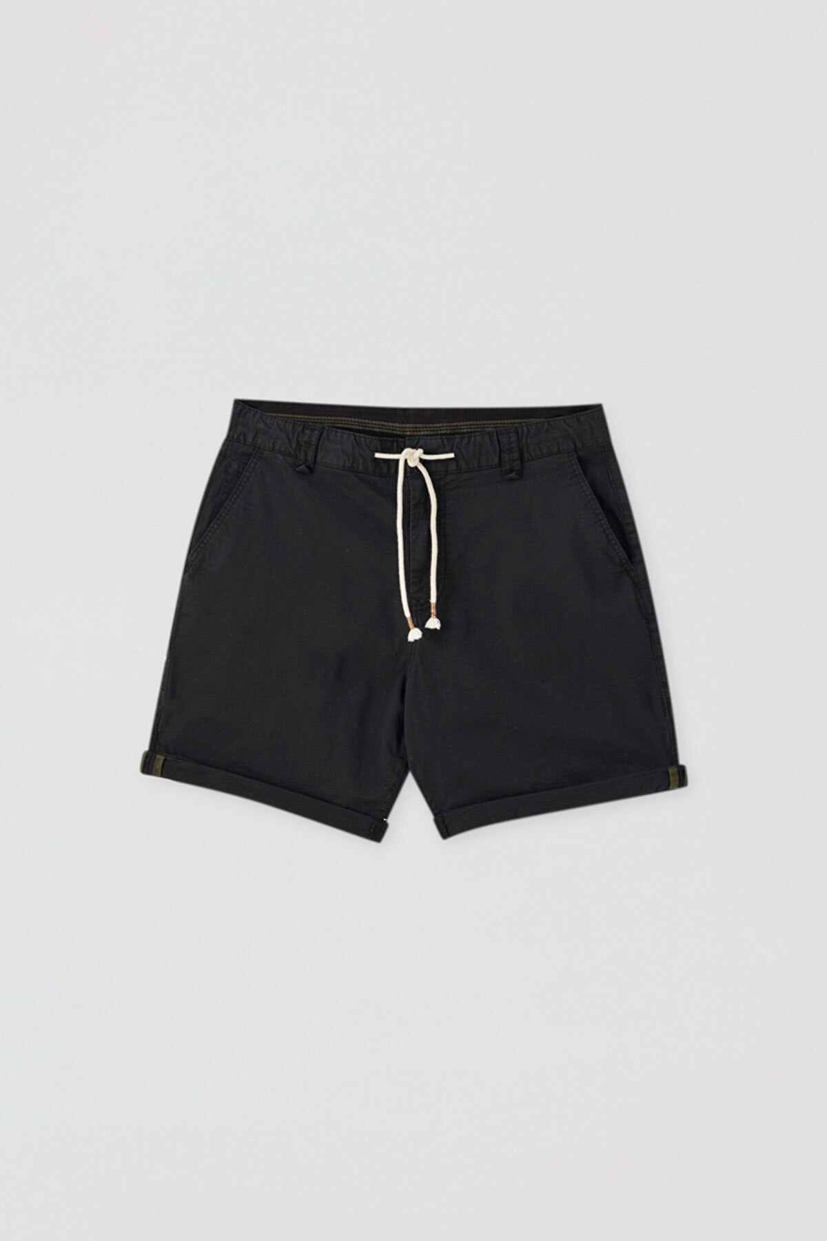 Pull & Bear Erkek Siyah Kumaş boyalı basic bermuda 05690504 0