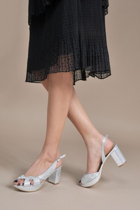 تصویر از کفش پاشنه بلند زنانه کد 153996_Gümüş