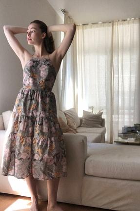 TRENDYOLMİLLA Çok Renkli Çiçek Desenli Sırt Dekolteli Elbise TWOSS20EL1907 1