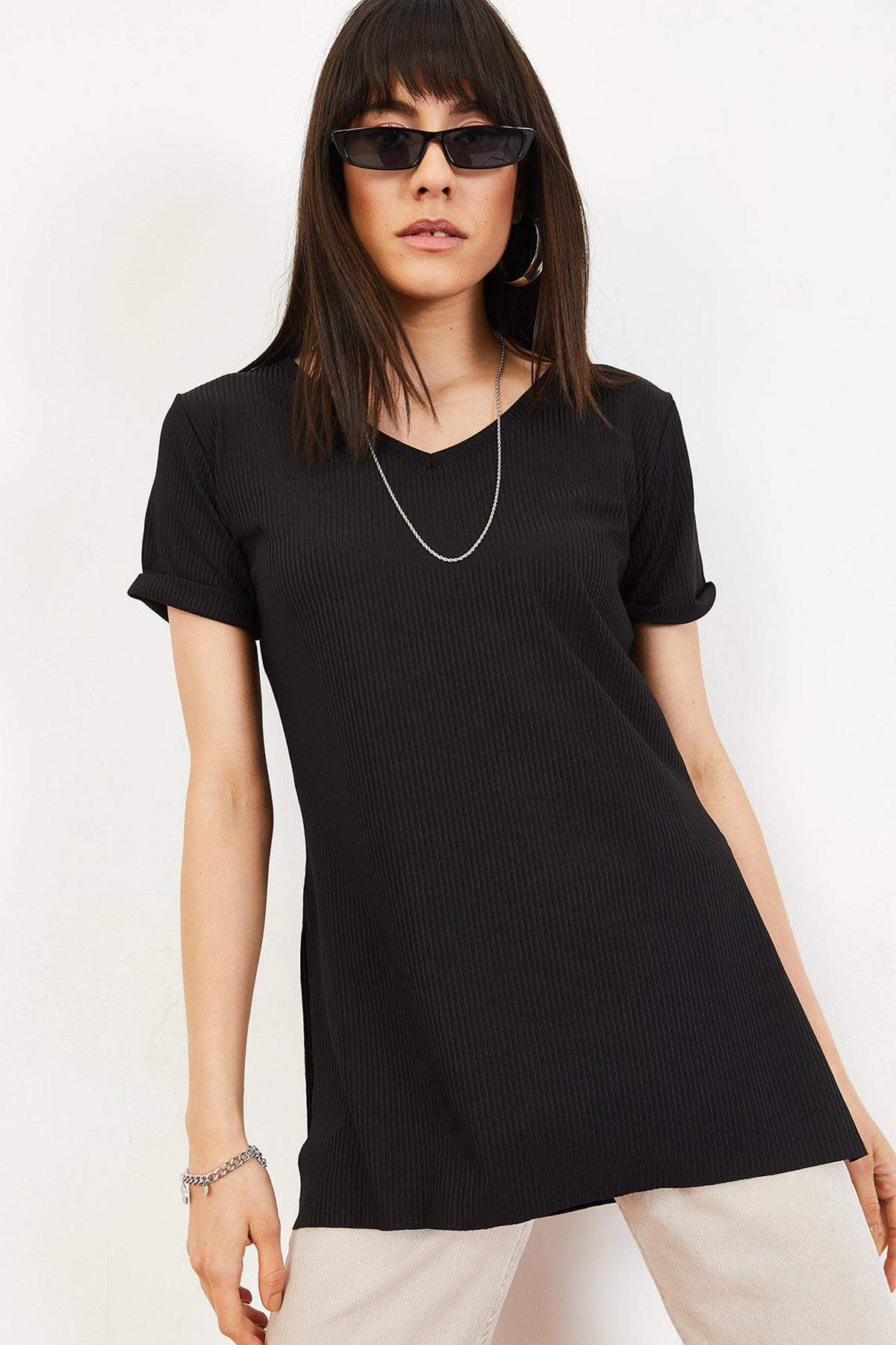 Bianco Lucci Kadın Siyah Kol Yan Yırtmaçlı Kol Detay Kaşkorse T-Shirt 10051012 2