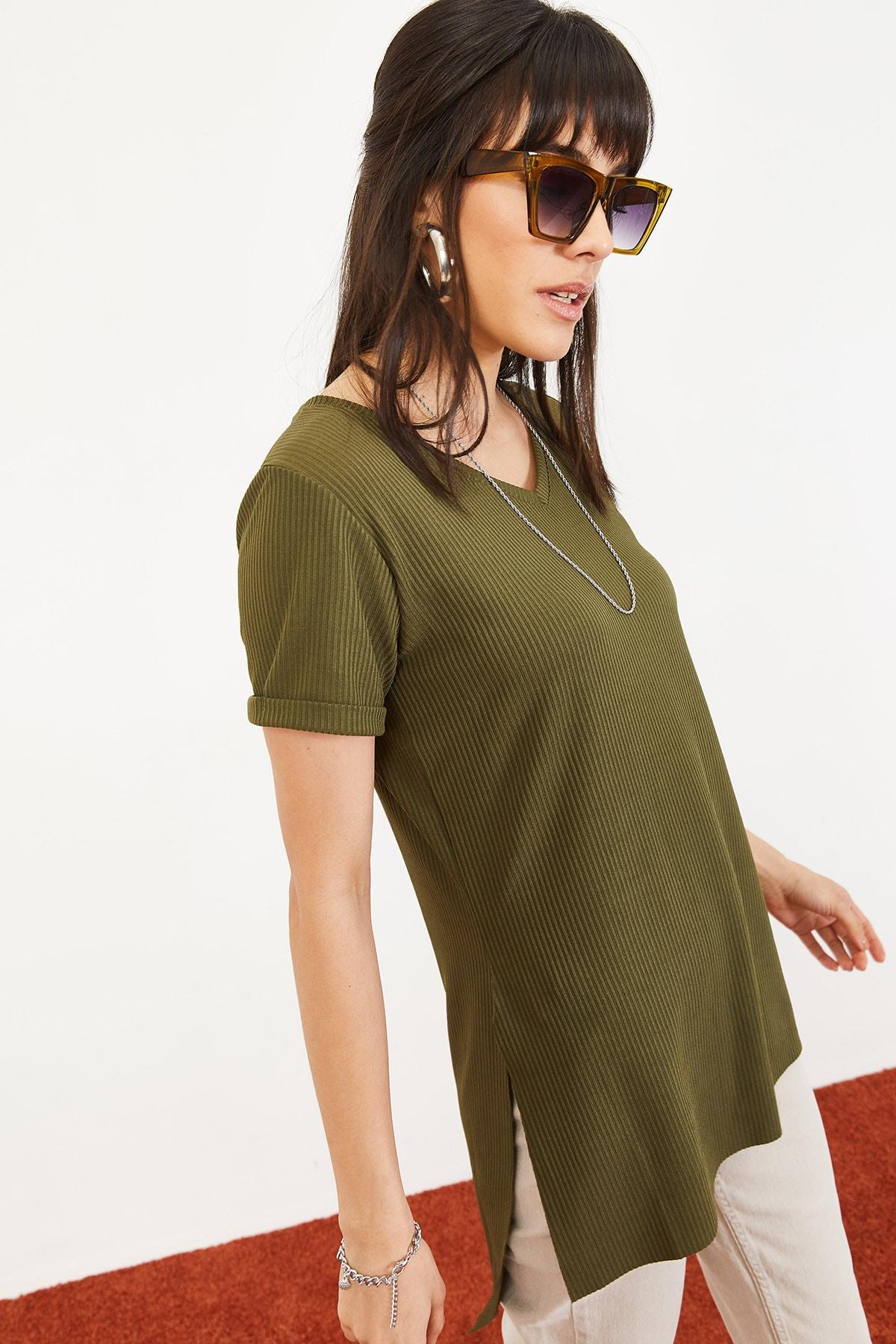 Bianco Lucci Kadın Yeşil Kol Yan Yırtmaçlı Kol Detay Kaşkorse T-Shirt 10051012 2