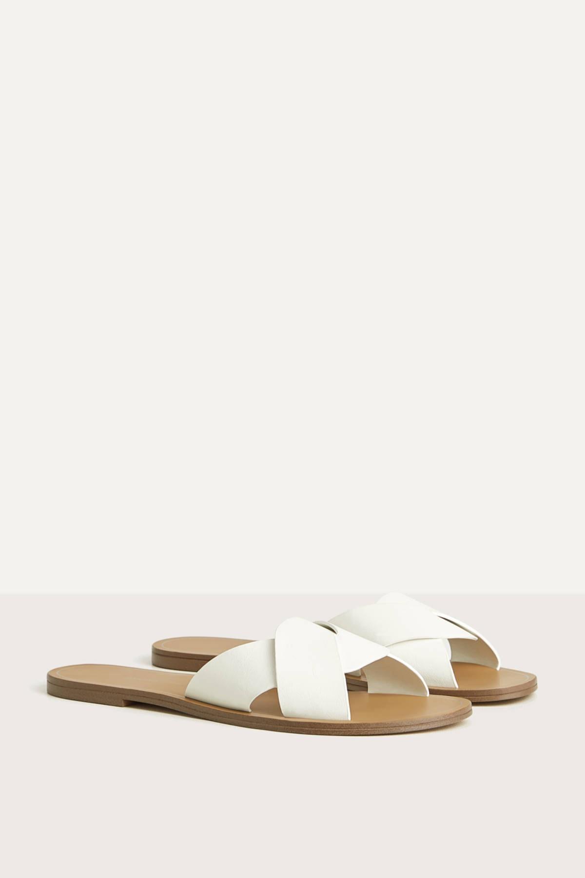 Bershka Kadın Beyaz Çapraz Bantlı Düz Sandalet 11800561 3