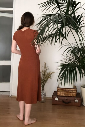 TRENDYOLMİLLA Kiremit Dokulu Midi Örme Elbise TWOSS20EL2993 4