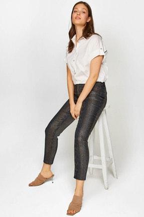 Kadın Beyaz Zincir Detaylı Gömlek 60347 U60347 resmi