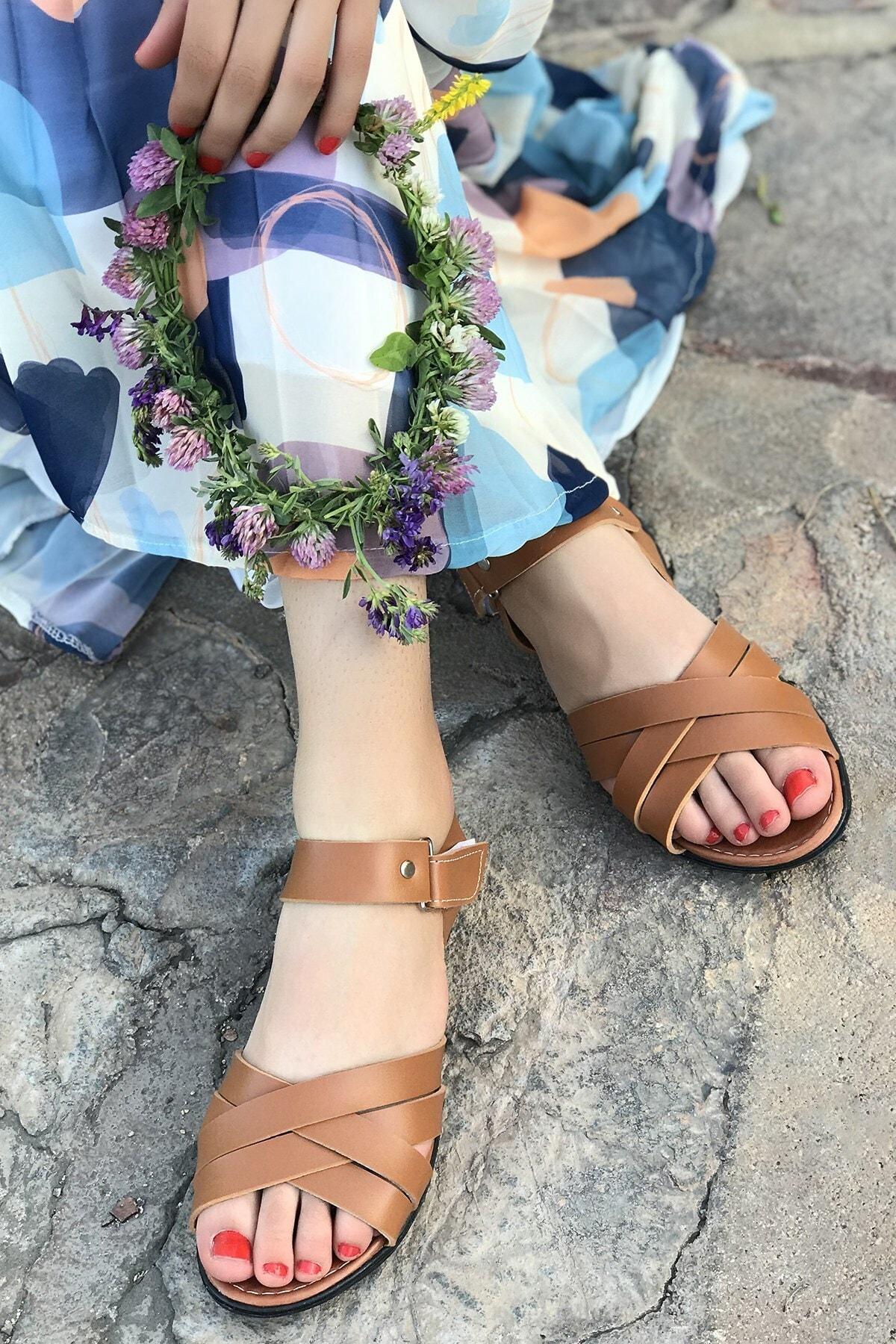 Hepsi Moda Kadın Taba Kemerli Sandalet