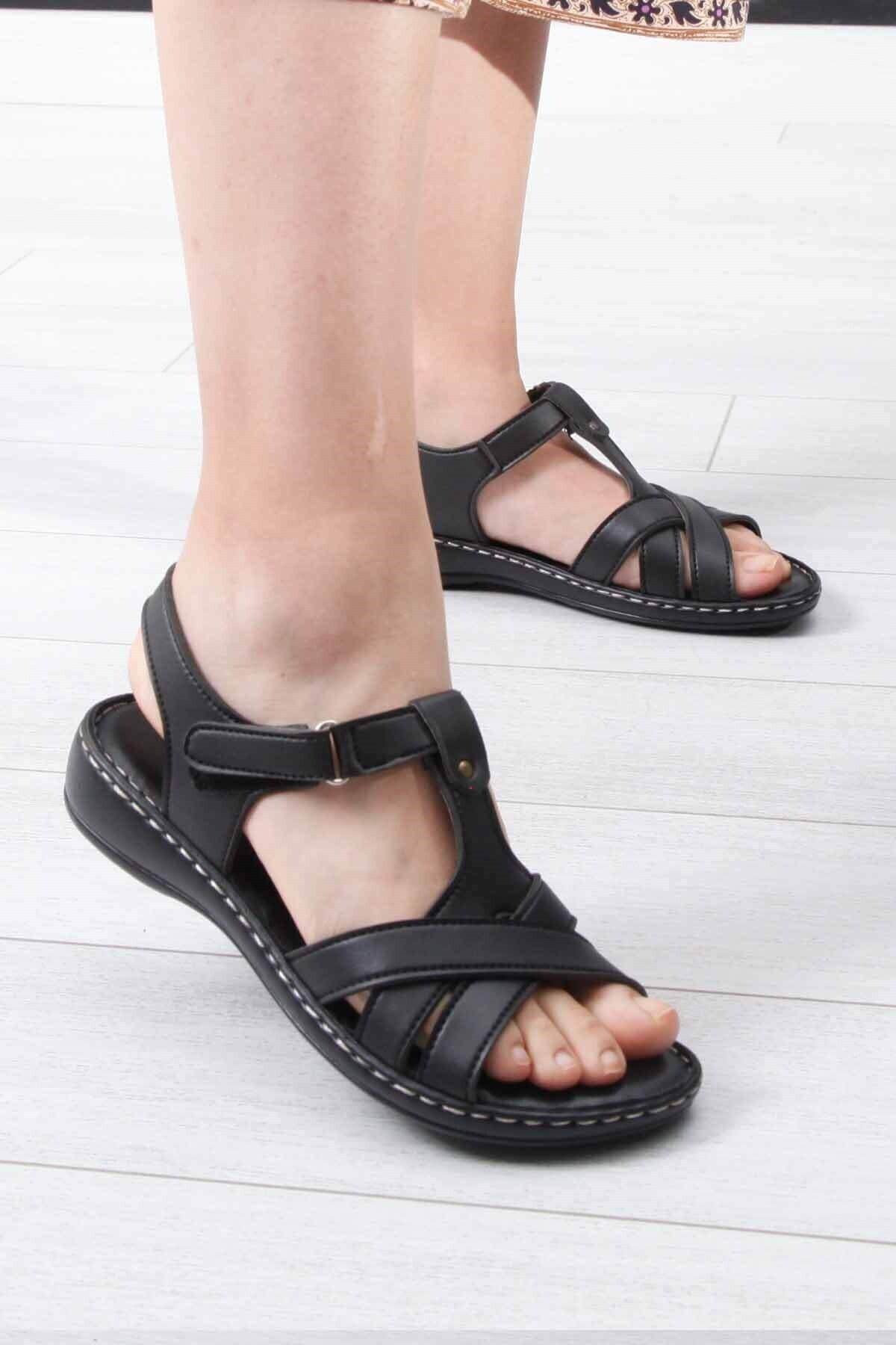 WHİTE LİNE Kadın Siyah Sandalet