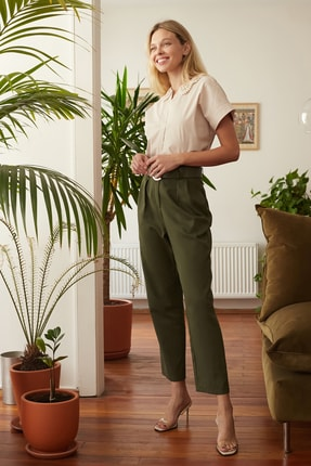 TRENDYOLMİLLA Haki Kemerli Pantolon TWOSS20PL0016 1