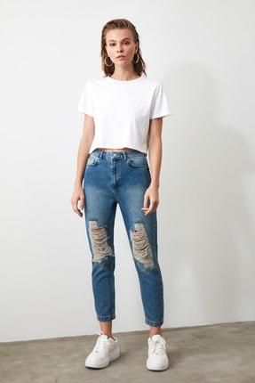 TRENDYOLMİLLA Mavi Yırtık Detaylı Yüksek Bel Mom Jeans TWOAW21JE0009 1