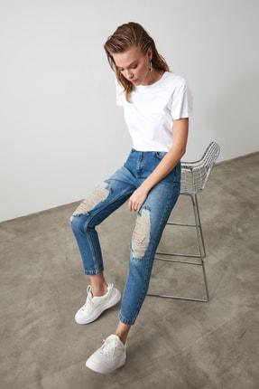 TRENDYOLMİLLA Mavi Yırtık Detaylı Yüksek Bel Mom Jeans TWOAW21JE0009 3