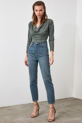 TRENDYOLMİLLA Mavi Yüksek Bel Mom Jeans TWOAW21JE0223 2