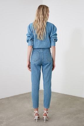 TRENDYOLMİLLA Mavi Yüksek Bel Mom Jeans TWOAW20JE0129 4