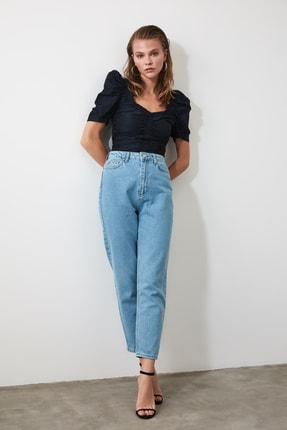TRENDYOLMİLLA Açık Mavi Yüksek Bel Mom Jeans TWOSS20JE0108 0