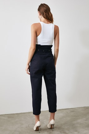 TRENDYOLMİLLA Lacivert Süper Yüksek Bel Kemerli Havuç Pantolon TWOAW21PL0118 3