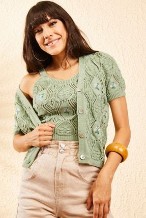 تصویر از Kadın Çağla Yeşili Kadın Nakış İşlemeli Hırka ve Crop Top Bluz Triko Takım 10101032
