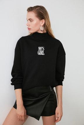 TRENDYOLMİLLA Siyah Nakışlı Basic Örme Sweatshirt TWOAW21SW0019 3