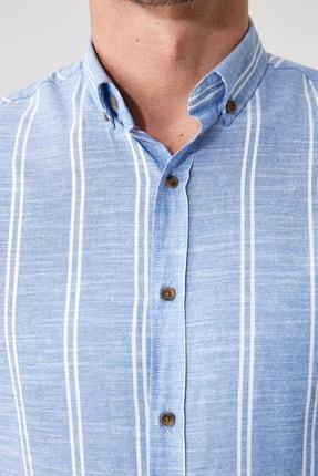 TRENDYOL MAN Saks Erkek Düğmeli Yaka İnce Çizgili Slim Fit Gömlek TMNSS20GO0092 3