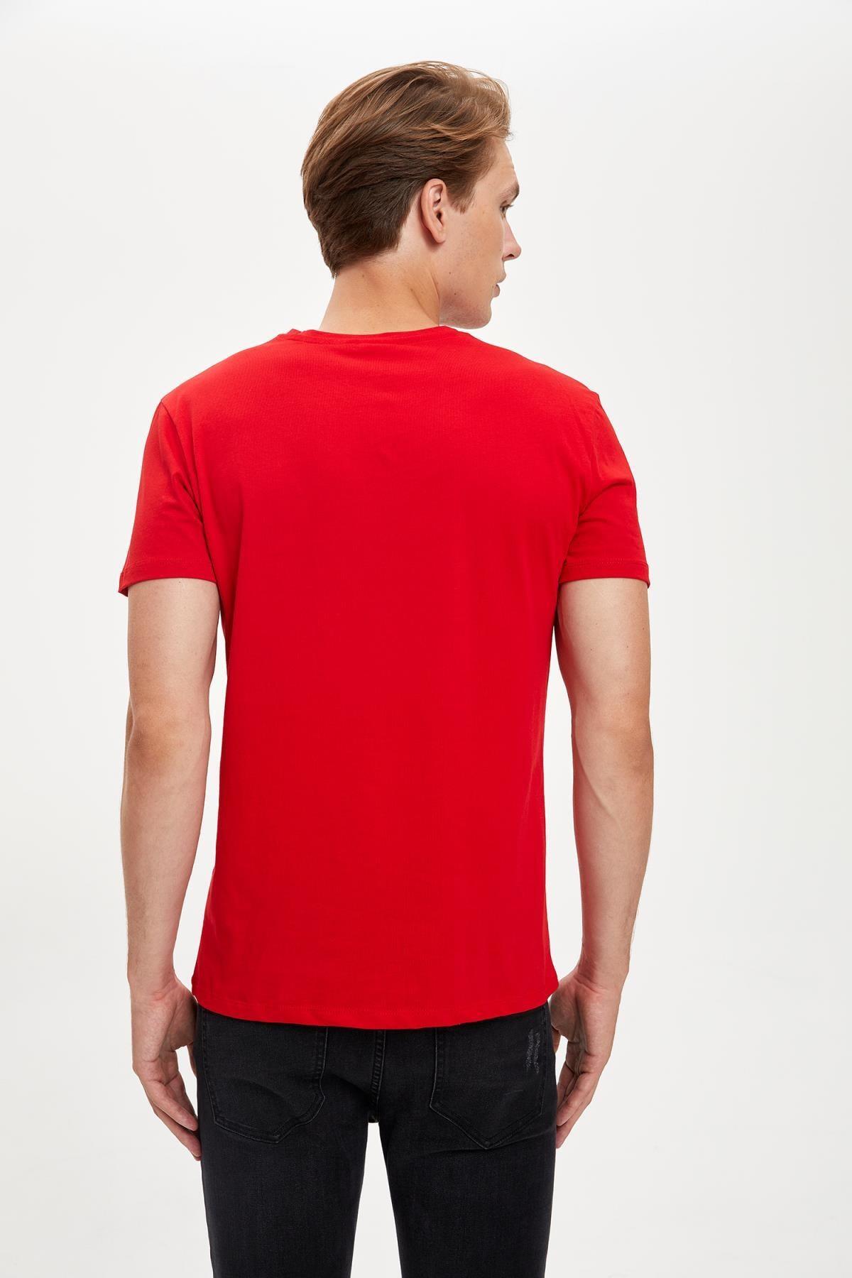 Defacto Erkek Kırmızı Warner Bros Flash Lisanslı Slim Fit Bisiklet Yaka Tişört 3