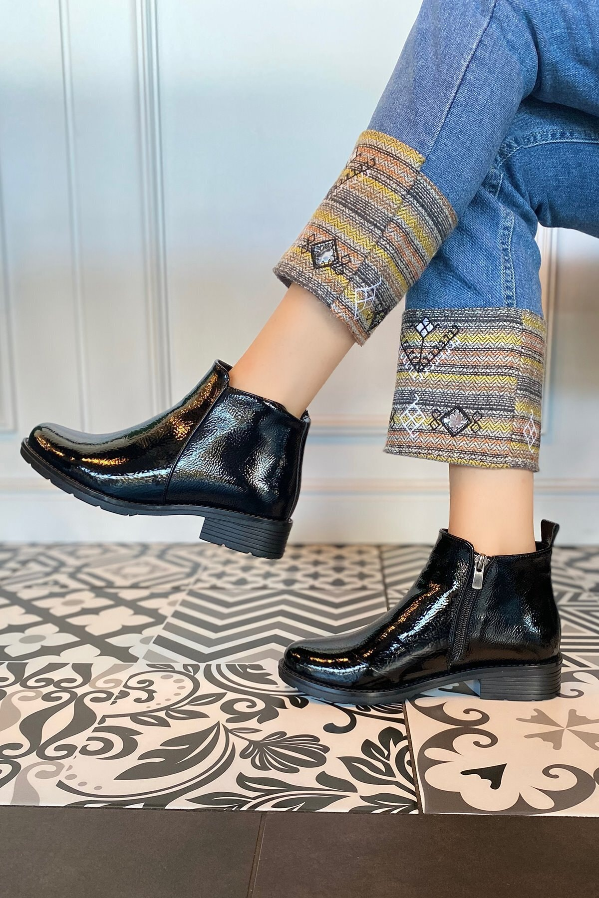 Platin Topuklar Kadın Siyah Rugan Bot