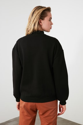 TRENDYOLMİLLA Siyah Dik Yaka Loose Örme Sweatshirt TWOAW20SW0584 3