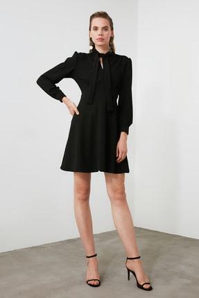 TRENDYOLMİLLA Siyah Bağlama Detaylı Örme Elbise TWOAW20EL2108 1