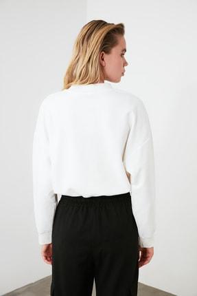 TRENDYOLMİLLA Ekru Dik Yaka Crop Örme Sweatshirt TWOSS20SW0123 4