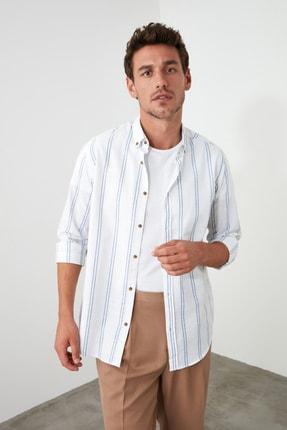 TRENDYOL MAN Beyaz Erkek Düğmeli Yaka İnce Çizgili Slim Fit Gömlek TMNSS20GO0092 1