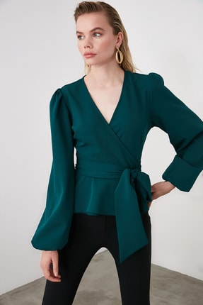 TRENDYOLMİLLA Zümrüt Yeşili Kruvaze Yaka Bluz TWOAW20BZ1089 1