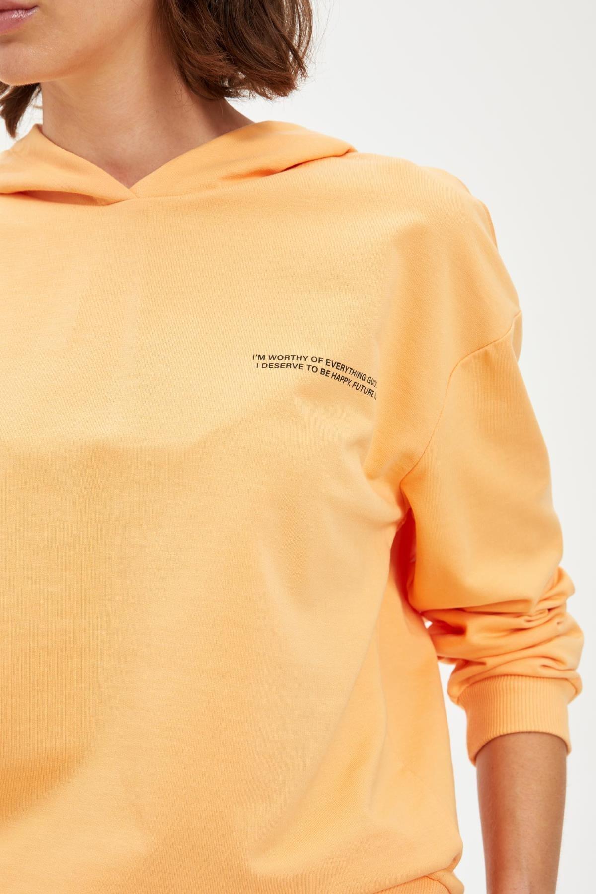 Defacto Kadın Lt.Orange Yazı Baskılı Kapüşonlu Sporcu Sweatshirt S1114AZ20AU 2