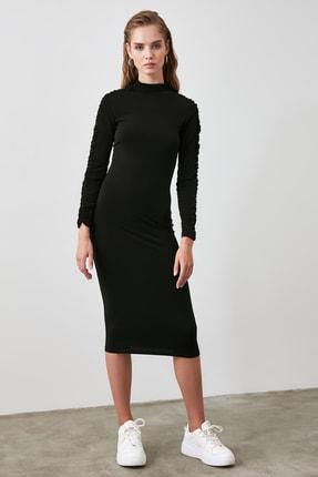 TRENDYOLMİLLA Siyah Büzgü Detaylı Dik Yaka Örme Elbise TWOAW21EL0236 3