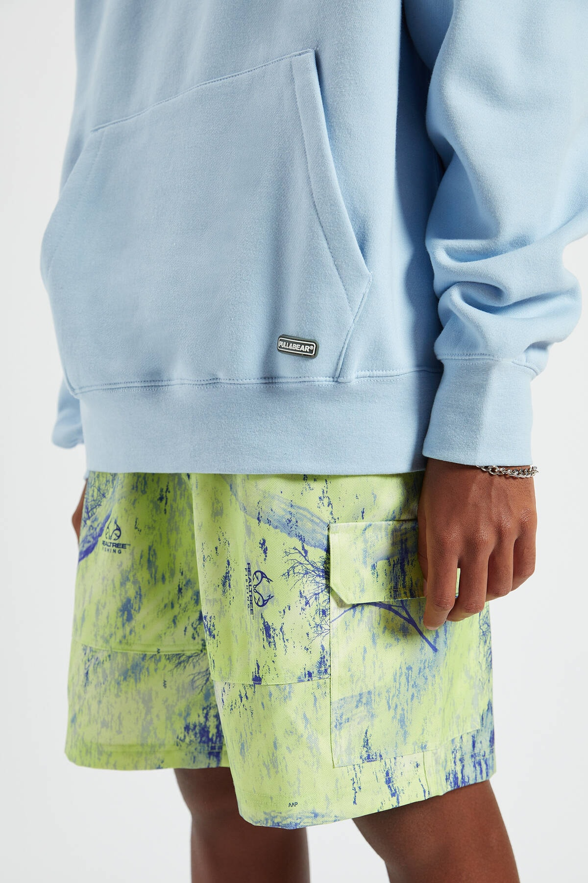 Pull & Bear Erkek Gök Mavisi Kapüşonlu Kanguru Cepli Basic Sweatshirt 09594513 3