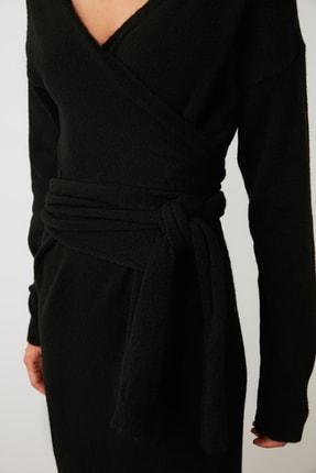 TRENDYOLMİLLA Siyah Kruvaze Bağlamalı Triko Elbise TWOAW21EL0260 3