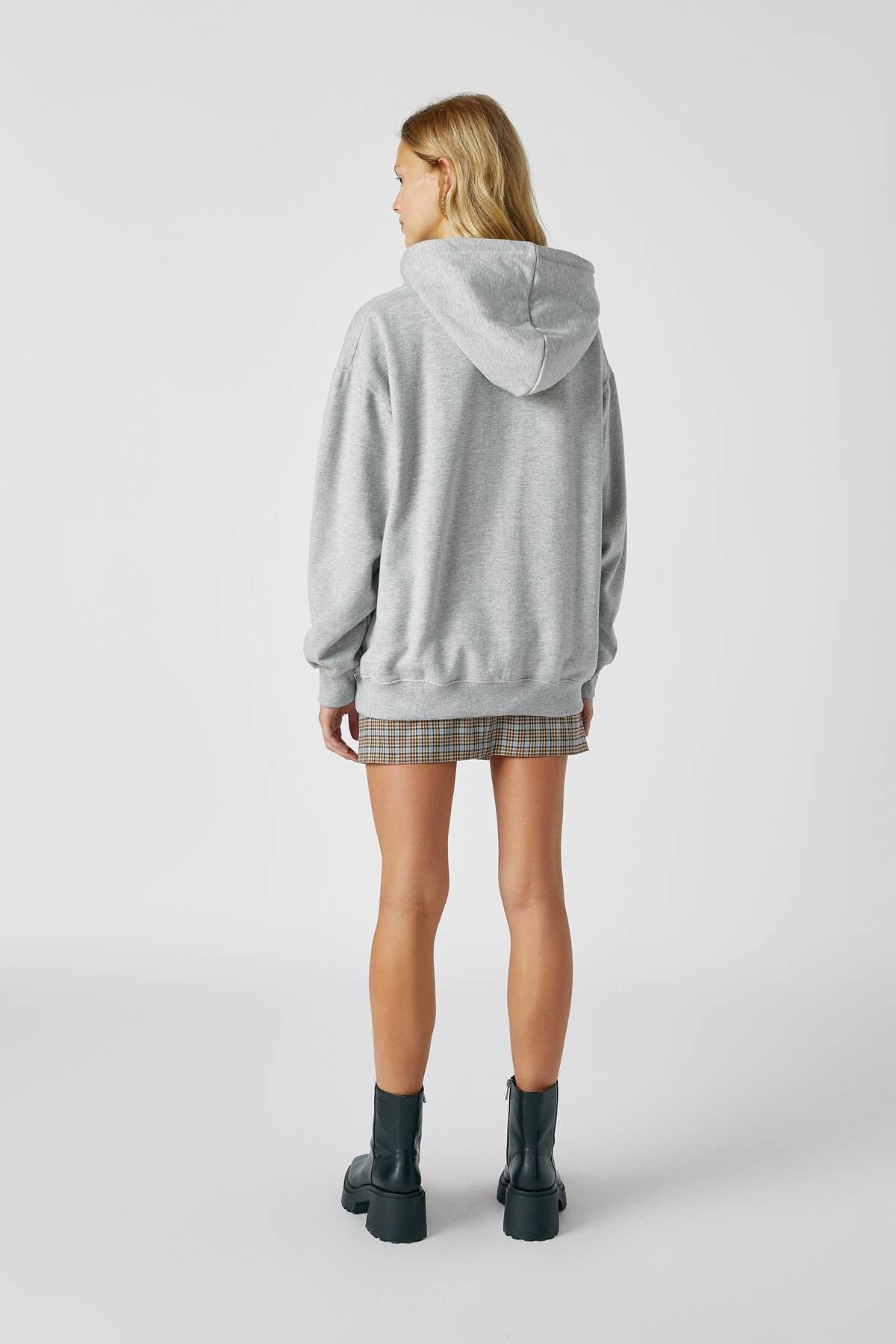 Pull & Bear Kadın Orta Melanj Basic Uzun Kollu Kapüşonlu Sweatshirt 09594301 2
