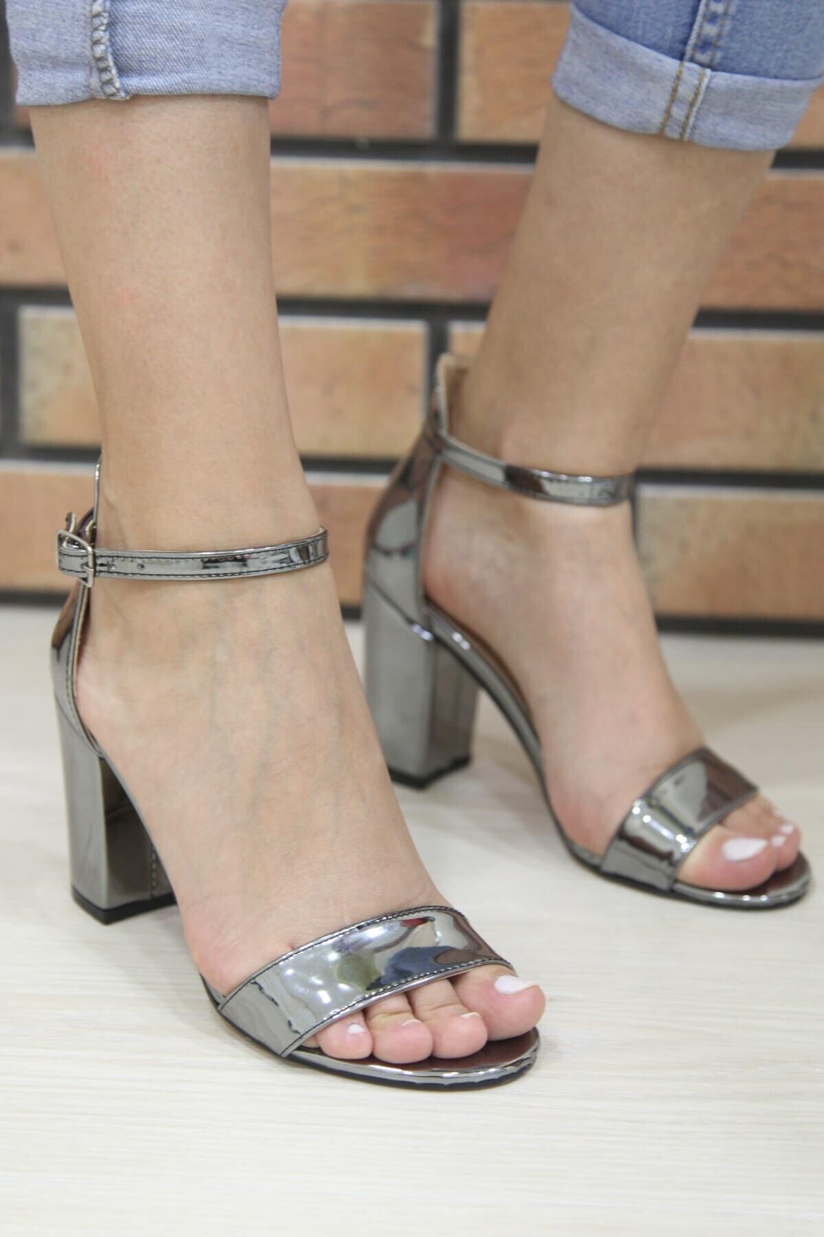 Matilla Kadın Gümüş Topuklu Ayakkabı