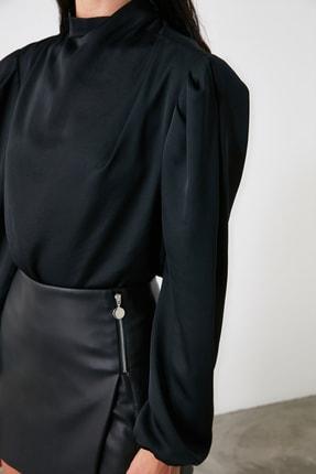 TRENDYOLMİLLA Siyah Yaka Detaylı Bluz TWOAW21BZ1308 2