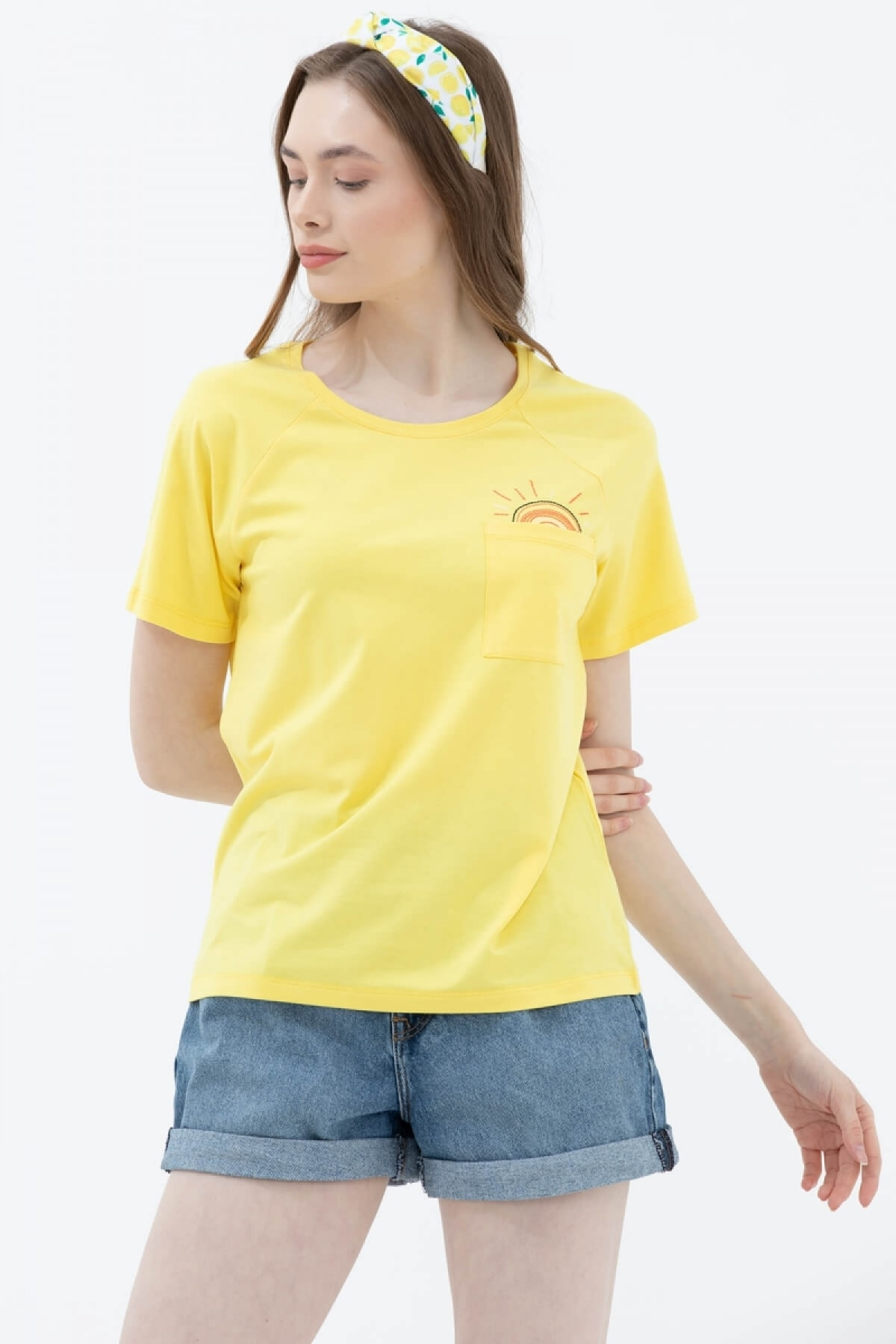 Kadın Sarı Cebi Nakış Detaylı T-Shirt