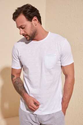 TRENDYOL MAN Beyaz Erkek Kısa Kollu Cepli  Slim Fit T-Shirt TMNSS20TS0305 2