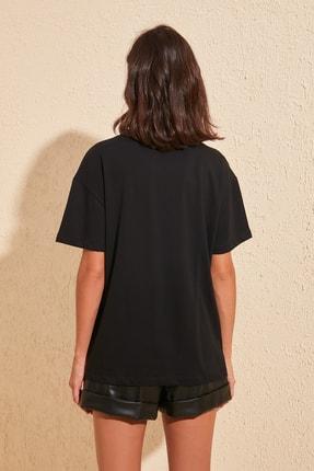 TRENDYOLMİLLA Siyah Baskılı Boyfriend Örme T-Shirt TWOSS20TS0818 3