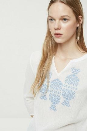 Yargıcı Kadın Kırık Beyaz Nakış Detaylı Bluz 0YKGM6109X 1